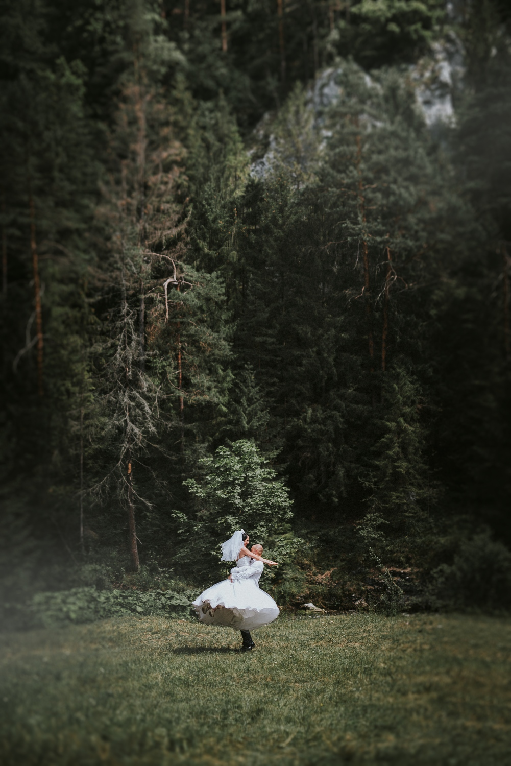 Lubos Krahulec, svadobny fotograf, fotograf vychod, slovensko, slovakia, czech, europan, presov, wedding, natural wedding portrait, best wedding photo, asociacia slovenskych svadobnych fotografov, cech fotografov, fotograf krahulec,