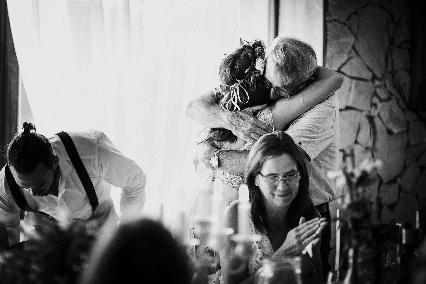 fotograf slovensko, vychod, praha, tatry, lubos krahulec,najlepsi svadobny fotografi, asociácia fotografov, fotograf tatry, fotenie v tatrach, svadba v prirode, kameraman, na svadbu, svadobne saty, kytica, presov, kosice, poprad, cech fotografov, wedding photographer, krahulec, v prahe, bratislava, zvolen, zilina, trencin, na svadbe,